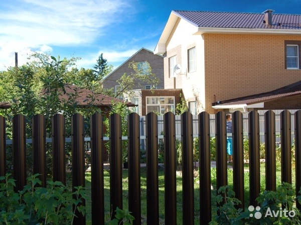 Купити штахетник ворота распашные для дачи из профнастила цена