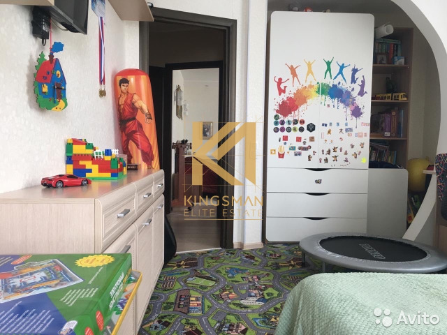 Продается трехкомнатная квартира за 7 200 000 рублей. Саратов, Шелковичная улица, 60/62.