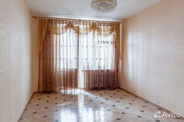 Продается двухкомнатная квартира за 4 400 000 рублей. Саратов, улица Мичурина, 150/154.