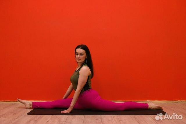 Девушки отсосали инструктору по йоге