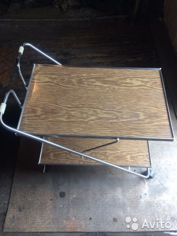 Стол сервировочный на колесиках