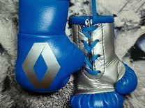 Боксерские перчатки (в авто)