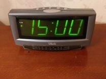 Часы настольные с радио Vitek. Многофункциональные — Для дома и дачи в Геленджике
