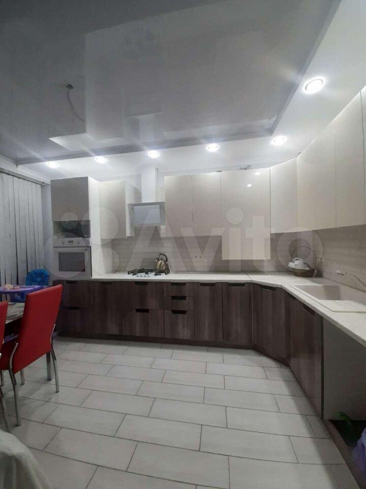 2-к квартира, 63 м², 2/3 эт.